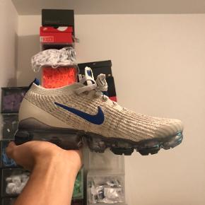 Helt nye og ubrugte Nike Vapormax.  Følgende størrelser haves: 42 - 42,5 - 44.