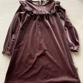 Så fin kjole der kun er brugt 3-4 gange. Er som ny
