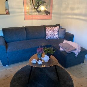 """Lækker kvalitets sovesofa model """" Vejlby"""" . Man ligger godt på den. Brugt som gæsteseng."""