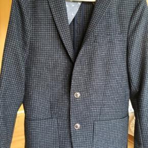 Lækker jakke brugt få timer Nypris 1350kr Forsendelse 40 kr med DAO