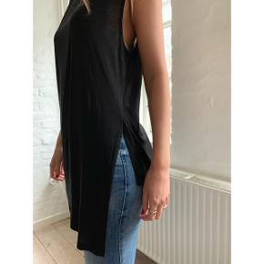 Asymmetrical tank top from ACNE with beautiful details 😍