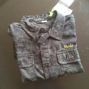 Smart Molo drengeskjorte i armygrøn og sort. Helt ny med mærke! Str 158/164