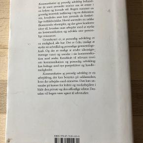 """Kommunikation og personlig udvikling af Anne Latour & Jørgen Filtenborg """"Kommunikation og personlig udvikling"""" af Jørgen Filtenborg & Anne Latour er en grundbog, som gennemgår syv teori indenfor kommunikion. hft, kan sendes m DAO for 39 kr oveni til nærmeste udleveringssted"""