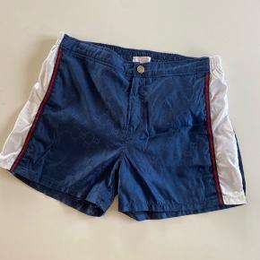 Super fede Gucci badeshorts de har været brugt som alm short ganske få gange som nye