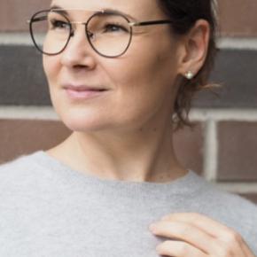 Helt nye briller sælges gr jeg fik nye gr fejl. Se. De er fra monkey glasses... Se styrke og nypris. I kan få nye glas i. Giv et bud