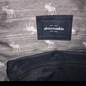 Abercrombie skoletaske - aldrig brugt!