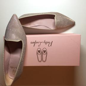 Rosa med glimmer. Brugt en aften. Pretty Loafers (under Pretty Ballerinas)