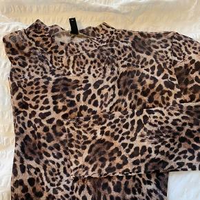 Fin LEO mesh bluse - brugt 2 gange