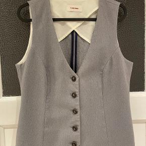 MOS MOSH vest