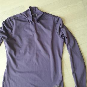 Varetype: Bluse Størrelse: L Farve: Lilla