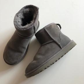 Flotte ugg støvler brugt lidt men næsten som ny