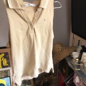 Tommy Hilfiger trøje/top Sælges da jeg ikke får den brugt nok Fitter S/M #30dayssellout