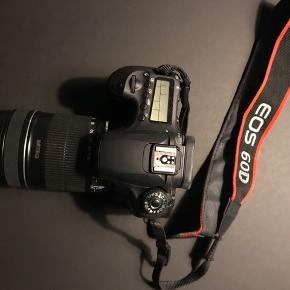 Canon EOS 60D.  Stort set aldrig brugt, har ikke været udsat for stød eller lignende.   Objektiv og hus kan sælges samlet eller hver for sig:  Objektiv 1500kr Hus 2000kr  Inkl. kamera taske.  Foretrækker at mødes og handle. Handler over mobilepay.