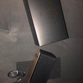 Rigtig god højtaler, som er tilkoblet til bluetooth to gange. Den er i perfekt stand, og sælges kun fordi jeg har en anden, jeg bruger, og har derfor ikke behov for denne.