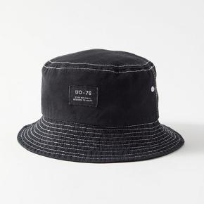This amazing bucket hat is for sale! Black to match with everything 😜