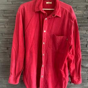 Fed mini-fløjlsskjorte fra Noa Noa med trykknapper