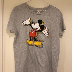 T shirt fra h&m Rabat ved køb af flere t shirts