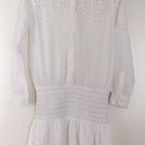 Fin sommer Ganni kjole. Får ikke brugt den. Sælges.
