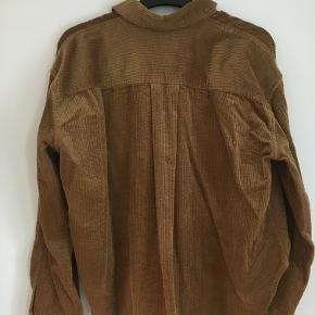 Fed oversized skjorte fra Samsøe Samsøe. Byd gerne :)