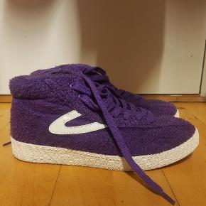 Fedeste ANDRE 3000 sko fra Tretorn, sælger fordi jeg simpelthen ikke får brugt skoene som de fortjener! Købt til 1300 kr. BYD endelig! :)