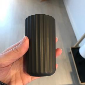Lille Lyngby by Hilfling vase sort 9 cm 6700/Rørkjær