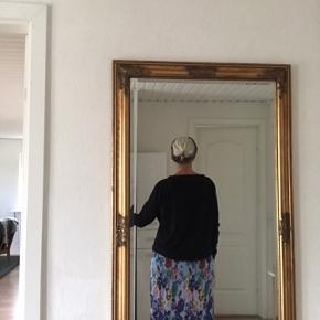 Smuk og sjov nederdel - ALDRIG BRUGT!