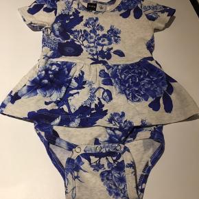 Porcelain flower kjole
