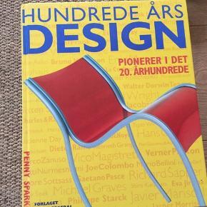 Bog med designklassikere. Har stort set ikke været åbnet. Klassisk dansk design