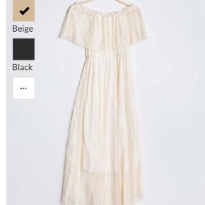 Smuk kjole købt i Frankrig  Str m/l - passer 38 Kjolen har farven på billede 2 Fejlkøb