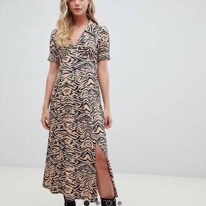 Super fin Leo kjole fra Asos passer medium