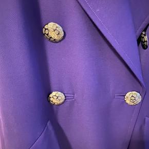 Valentino by Mario Valentino tøj
