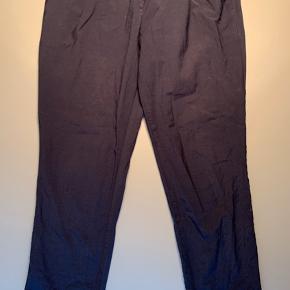 Bukser med snøre i livet / bukselængde til lige over ankel