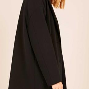 Fineste jakke i oversize model. ( svarer til m ca) Helt ny. Venligst respekter den billige pris☺️🙏
