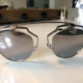 Lækre Dior solbriller sælges Brugt sparsomt Æske og pudseklud medfølger 1200 pp via mobile pay