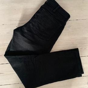 Acne jeans i sort - model South STAY black   https://stoy.com/da/acne-studios-south-stay-black-jeans-stay-black