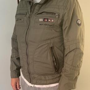 Sælger den her Super fede Cabano jakke i str. 50 da den er blevet for lille.    Fejler intet