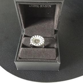 Solgt...... Mega flot sølv ring med hvid emalje Str 52 næsten som ny