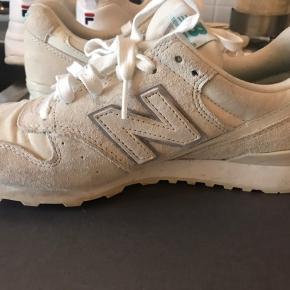 Sælge de her sko. De er brugte, lidt slidte, men virker som de skal :)