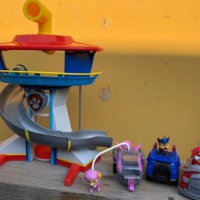 Paw patrol udkigstårn med 3 figure med køretøjer