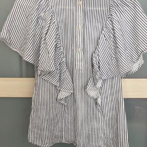 Fin skjorte med store ærmer fra Stockholm Atelier 😊
