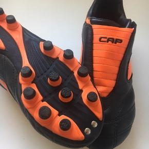 Fodboldstøvler.