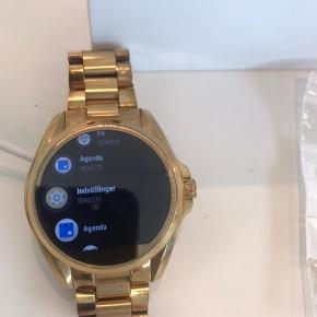 Michael kors smart watch sælges kun da jeg har fået et andet ur. Uret er fra 2018
