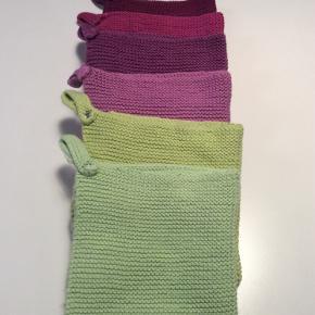 Hjemmestrikkede køkkenhåndklæder 15 kr pr stk.