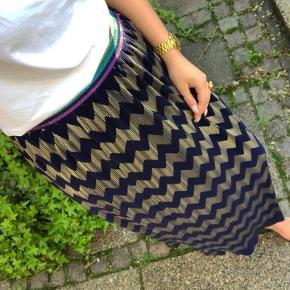 Sælger denne fine nederdel fra Co'cuture i str. S. Den er helt ny. Np. 600 kr. Mp. 230 kr.