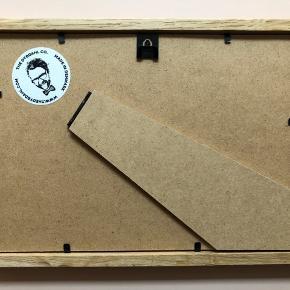 Sælger denne fine indrammet illustration. Rammen er i eg og billedet er købt i Maduro i Kbh K.