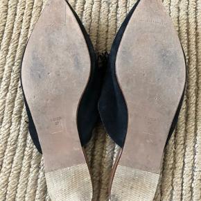 Fine mules fra Mango, de mangler en pom på den højre sko, se billede  #trendsalesfund