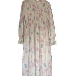 Smuk ganni kjole str 38 BYD