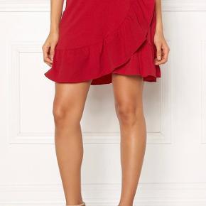 Rigtig flot nederdel, sælges da den er for lille. Byd 🌸
