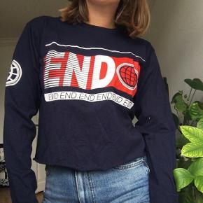 Lang ærmet tshirt fra BDG med print.   #trendsalesfund