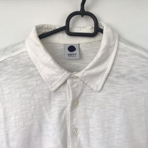 Lækker sommerskjorte fra NN07 i str. Medium. Køb billigt.